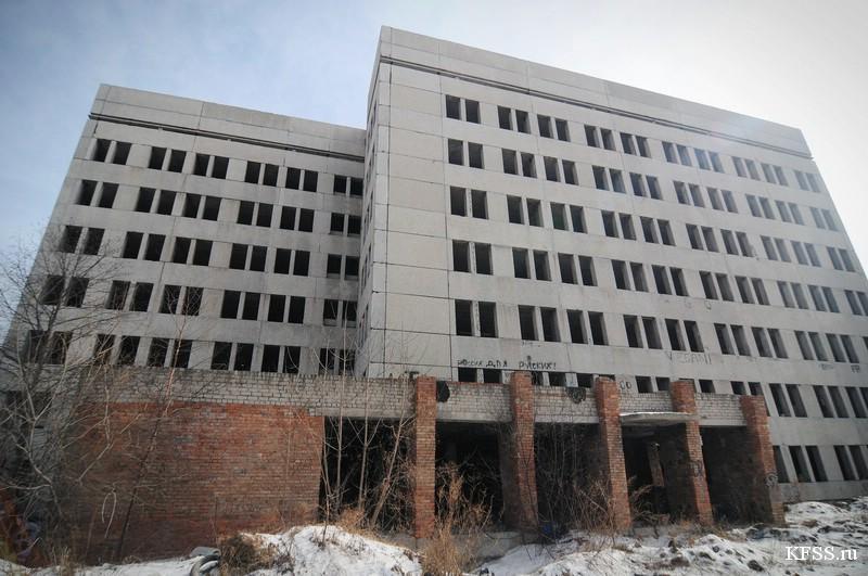 Заброшенное здание больницы во Владивостоке